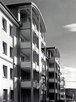 Symbiose 2: Renoviertes Wohngebäude in der benachbarten ehemaligen Kasernenanlage
